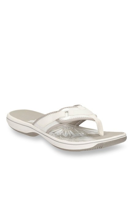 ac9cc4fd779 Buy Clarks Brinkley Mila White   Grey Thong Sandals for Women at Best Price    Tata CLiQ