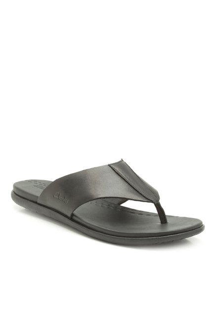 22f2837492a Buy Clarks Valor Beach Black Thong Sandals for Men at Best Price   Tata CLiQ