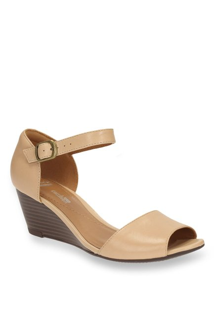 85c0229611fd Buy Clarks Brielle Drive Nude Ankle Strap Wedges for Women at Best Price    Tata CLiQ