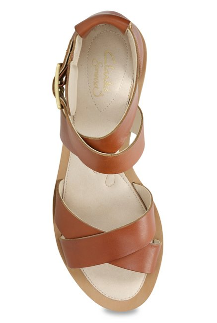 3978bb9d9 Buy Clarks Sandcastle Ray Tan Cross Strap Sandals for Women at Best ...