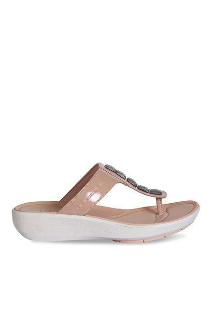 674582bb9fc2 Buy Clarks Wave Pop Nude T-Strap Wedges for Women at Best Price   Tata CLiQ