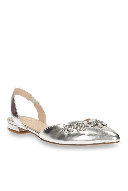 e878ab1993f5 Buy Clarks Amulet Rosa Silver Sling Back Sandals for Women at Best Price    Tata CLiQ