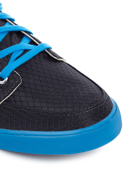 ad5bbc581809 Buy Puma Drongos DP Periscope   Cloisonne Blue Sneakers for Men at ...