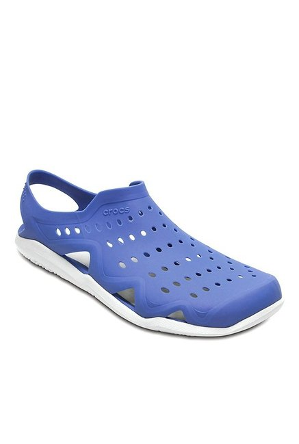 269e9e44a63a Buy Crocs Swiftwater Wave Blue   White Sling Back Sandals for Men at Best  Price   Tata CLiQ