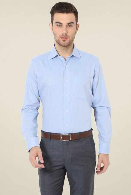 07f6e20e8b Buy Van Heusen Sky Blue Slim Fit Cotton Shirt for Men Online @ Tata CLiQ