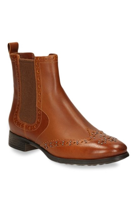 Clarks Busby Holly Tan Chelsea Boots
