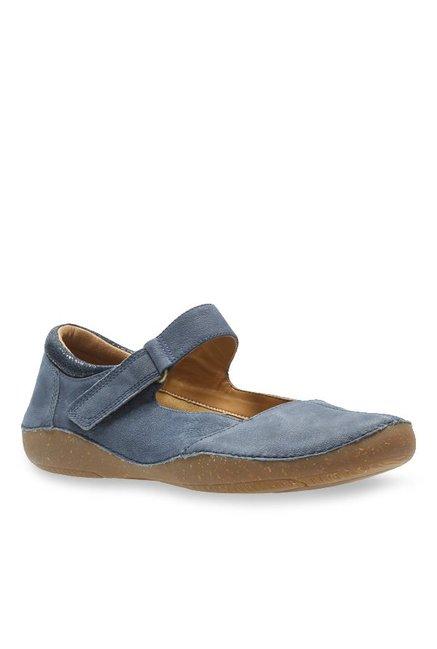 Salida Negligencia médica barajar  Clarks Autumn Stone Navy Mary Jane Shoes from Clarks at best prices on Tata  CLiQ