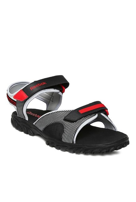 9fa3903e1a9 Buy Reebok Black   Red Floater Sandals for Men at Best Price   Tata CLiQ