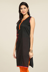 Mytri Black Embroidered Kurti