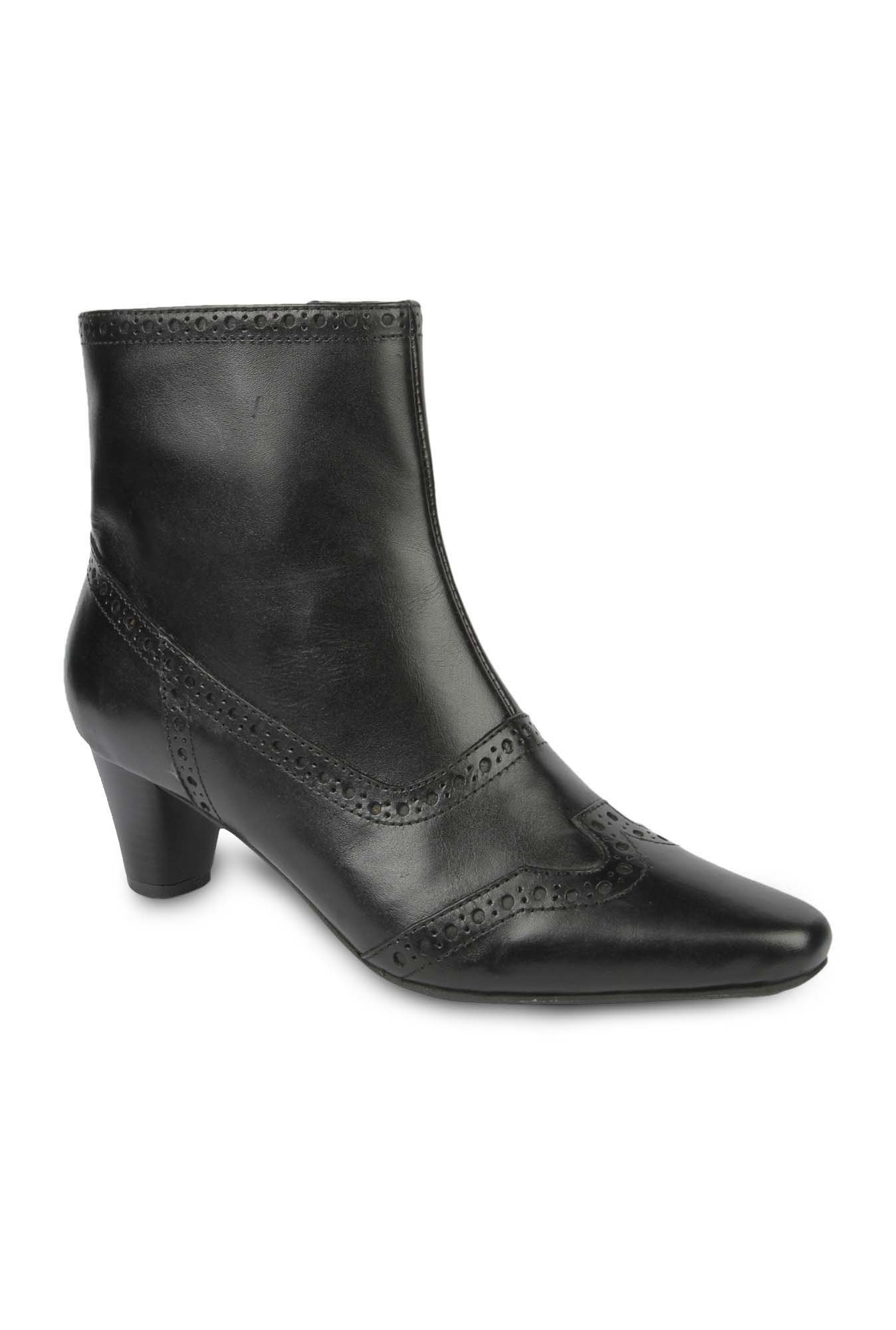 La Briza Black Block Heeled Booties