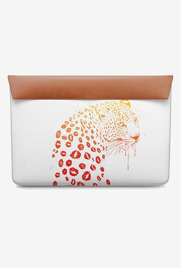 DailyObjects Kiss Me MacBook Pro 15 Envelope Sleeve