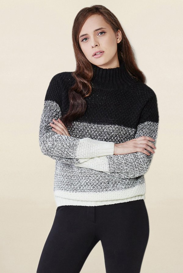AND Black & White Textured Pullover
