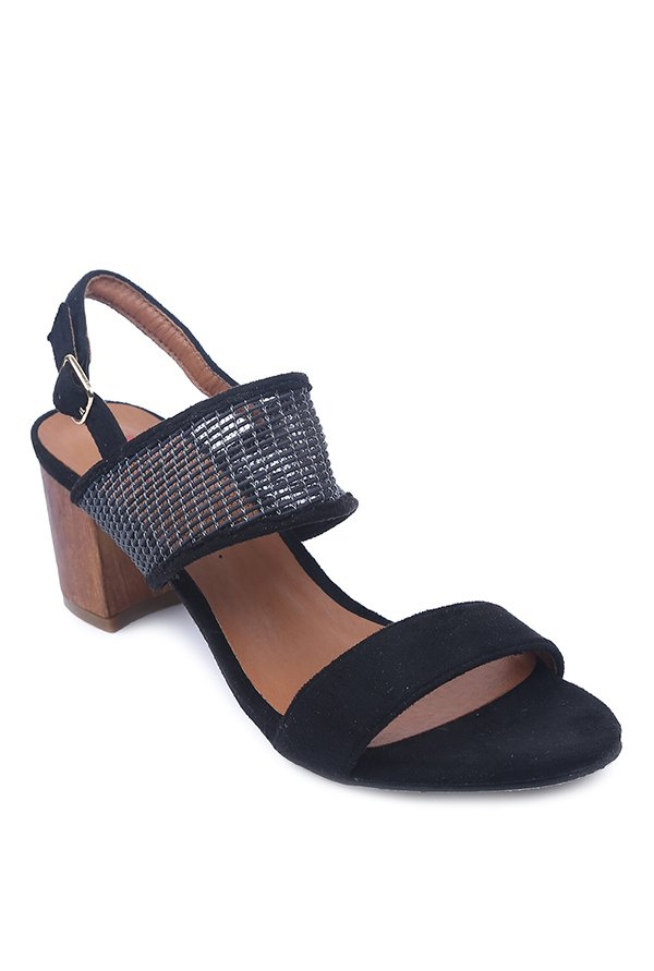 Lovely Chick Black Back Strap Sandals