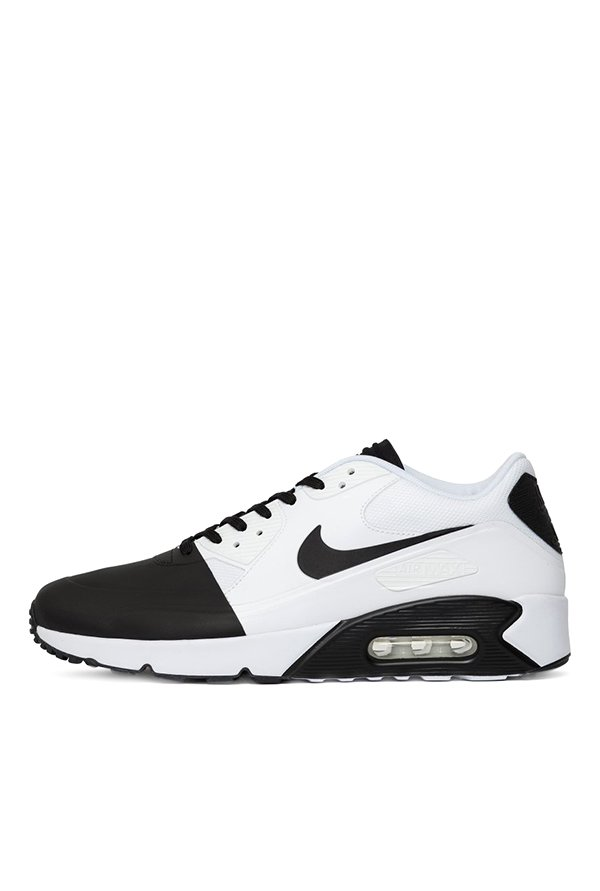 timeless design bcee2 5c79b Buy Nike Air Max 90 Ultra 2.0 SE Black   White Running Shoes for Men at  Best Price   Tata CLiQ