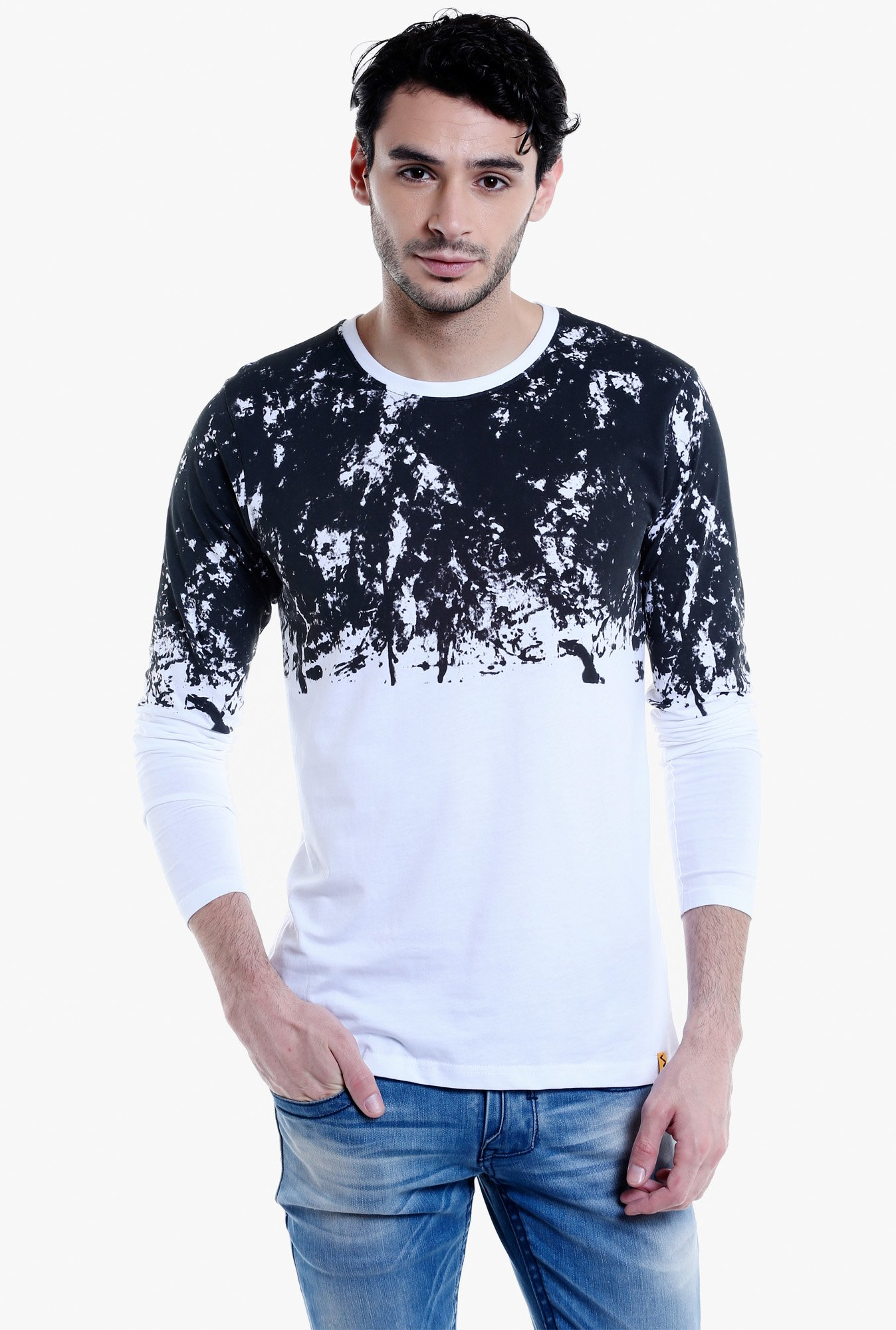 Campus Sutra White & Black Full Sleeves T-Shirt