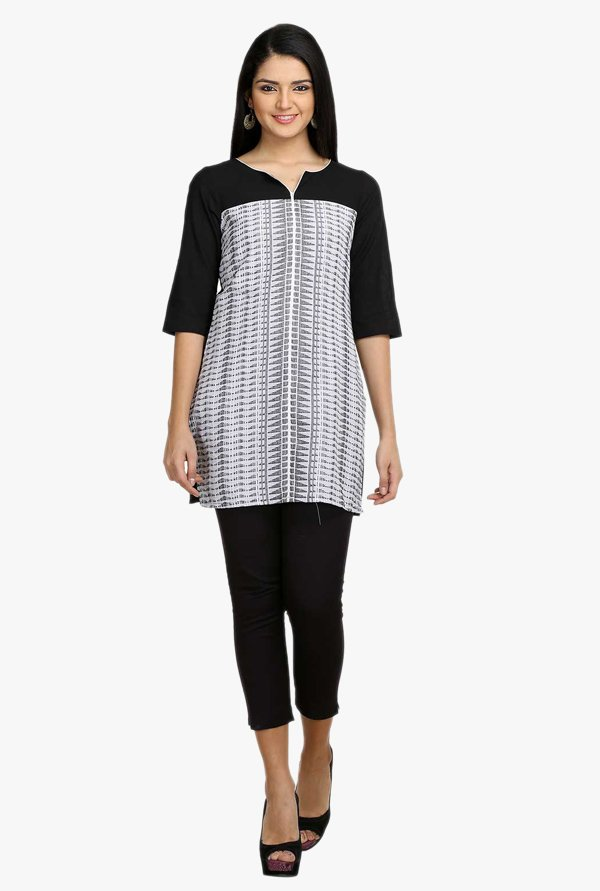 Aurelia White & Black Printed Cotton Kurti