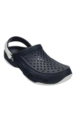 b8127483e865 Buy Crocs Men - Upto 70% Off Online - TATA CLiQ