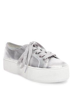 074ea61edef9 Buy Steve Madden Sneakers - Upto 50% Off Online - TATA CLiQ