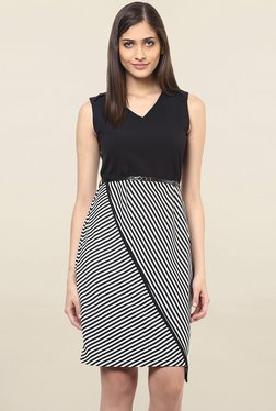 109 F Black & White Striped Knee Length Dress