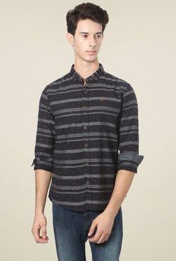 People Black Button Down Collar Striped Shirt