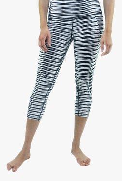 Satva White & Black Skinny Fit Printed Capris
