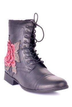 fa4a051e777 Buy Steve Madden Boots - Upto 70% Off Online - TATA CLiQ