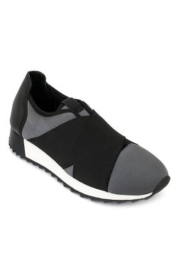 Truffle Collection Grey & Black Training Shoes