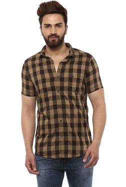 of on Causal Shirts