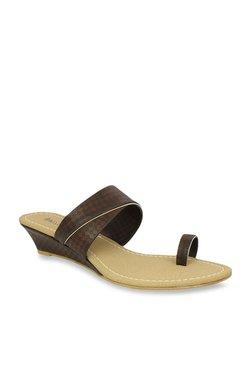 bcca1d881025 Inc.5 Dark Brown Toe Ring Sandals