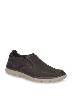 103b3ff2 Clarks   Upto 60% OFF On Clarks Shoes Online At TATA CLiQ
