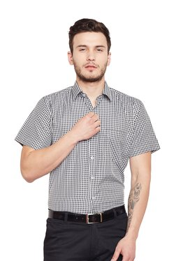 3ac7525cd10 Hancock Black Checks Half Sleeves Shirt