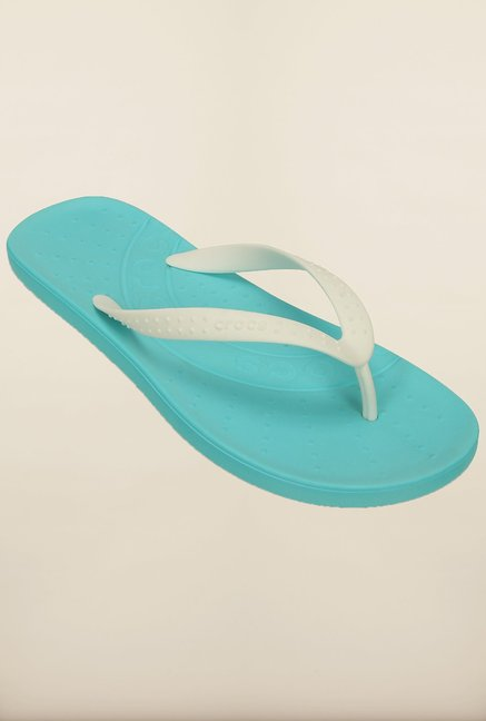 b1a9f66cdfc8 Buy Crocs Chawaii White and Pool Flip Flops Online at best price at TataCLiQ