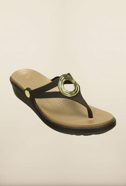Crocs Sanrah Beveled Circle Espresso and Golden Wedges