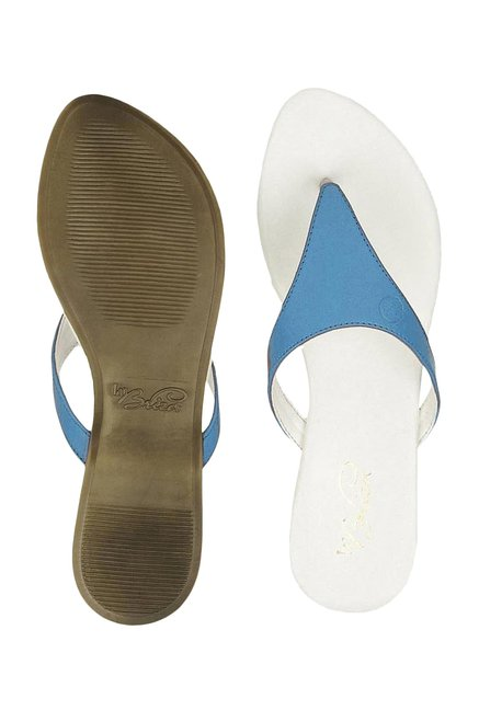 La Briza Blue & White Thong Sandals