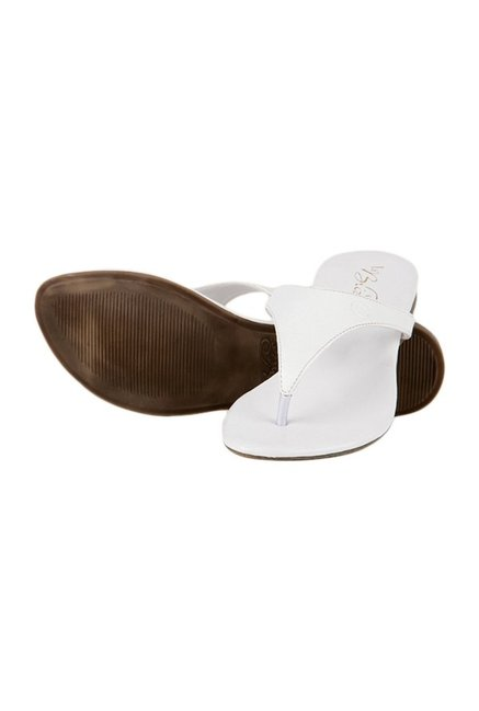 La Briza White Thong Sandals