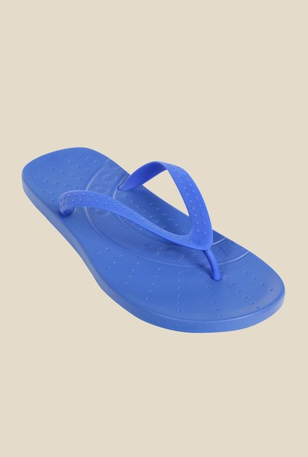 4e46d5c0d Buy Crocs Kids Chawaii Varsity Blue Flip Flops for Girls at Best Price ...