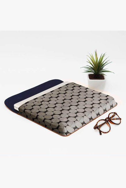 DailyObjects Lined Circles MacBook Pro 15 Envelope Sleeve