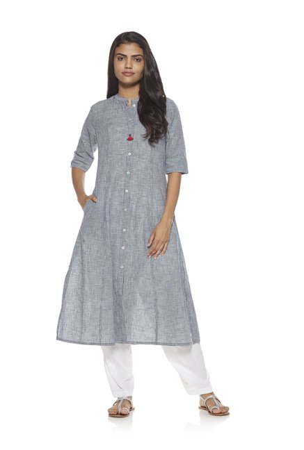 Utsa by Westside White Solid Salwar
