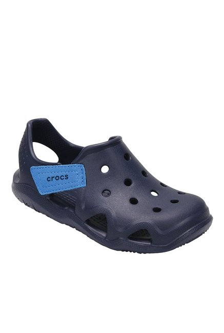73ff65789 Buy Crocs Kids Swiftwater Wave Navy Blue Casual Sandals for Boys at Best  Price   Tata CLiQ