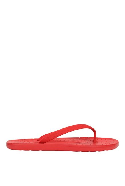 abe2d134c431 Buy Crocs Chawaii Red Flip Flops for Men at Best Price   Tata CLiQ