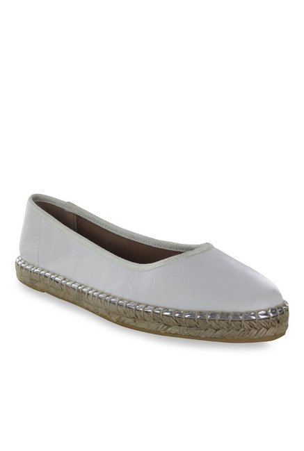 e0d35752282 Buy Steve Madden Gwennith White Espadrille Flat Ballets for Women ...