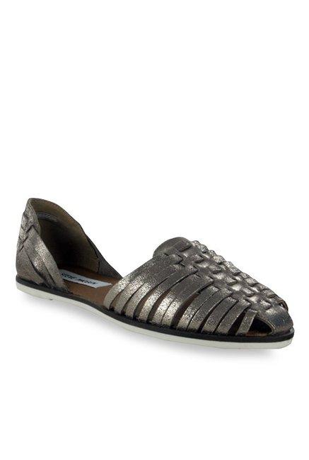9c5e850d095b6 Buy Steve Madden Hillarie Antique Gold Huarache Sandals for Women at Best  Price   Tata CLiQ