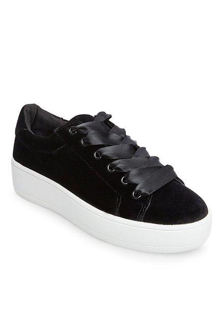 0198725a044 Buy Steve Madden Bertie-V Black   White Sneakers for Women at Best Price    Tata CLiQ