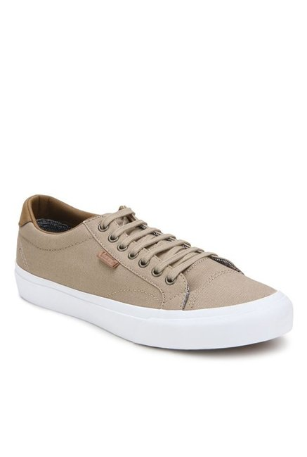 4fca5ca4b244 Buy Vans Classics Court Light Brown   True White Sneakers for Men at Best  Price   Tata CLiQ