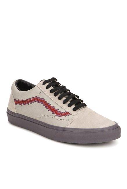 82178caf718624 Buy Vans Classics Old Skool Beige   Red Sneakers for Men at Best Price    Tata CLiQ