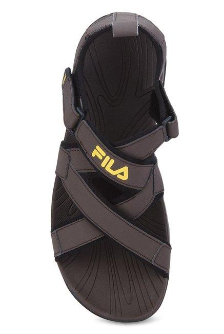 db8560961e11 Buy Fila Pacific II Dark Brown   Black Floater Sandals for Men at ...