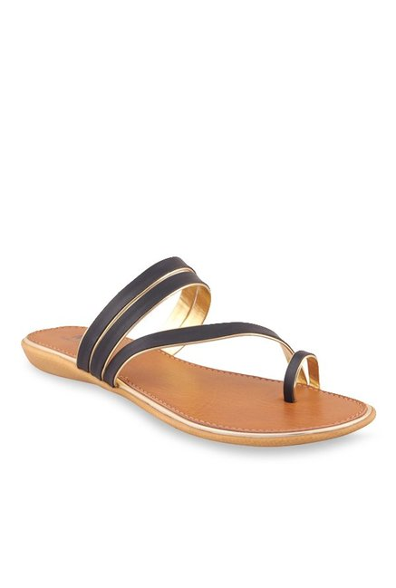MSC Black Toe Ring Sandals