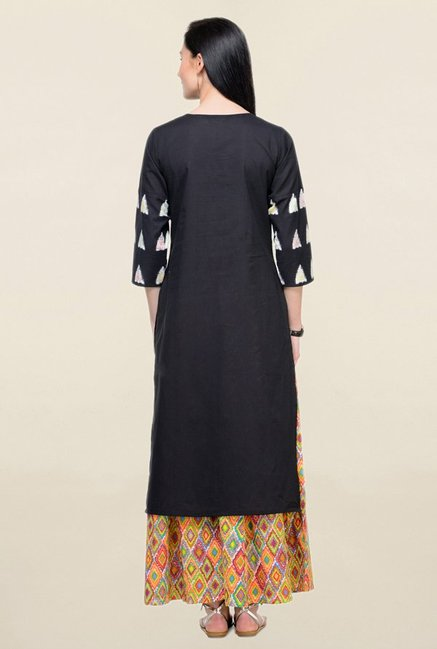 Varanga Black Embroidered Cotton Straight Kurta