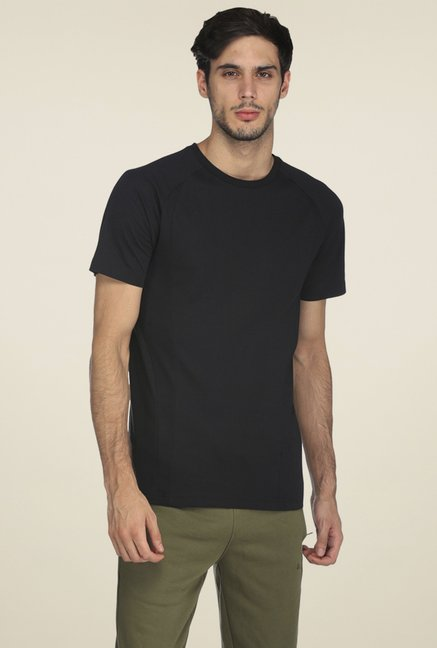 ee82a77bd24 Buy Puma Black Slim Fit T-shirt for Men Online @ Tata CLiQ
