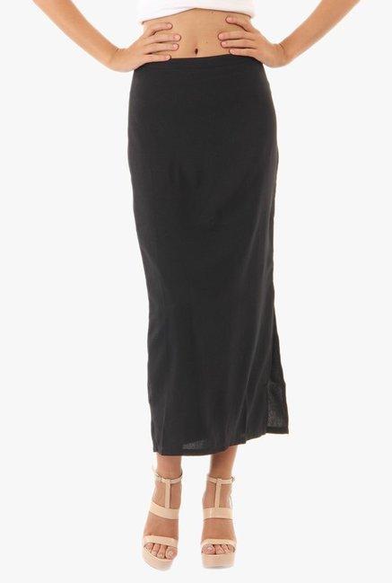 5016ad125 Buy Vero Moda Black Midi Skirt for Women Online @ Tata CLiQ